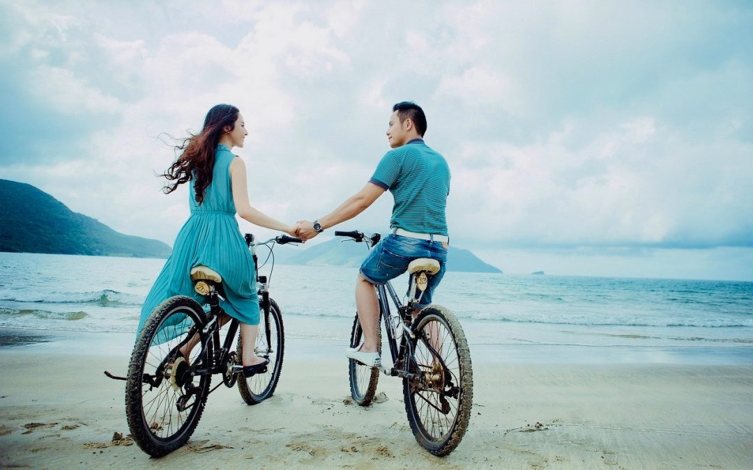 The Ultimate Summer Bucket List For Couples That's Actually Fun